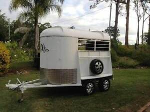 HIRE FLOAT * 2 BAY NATHAN HORSE FLOAT FROM $80- Loganholme Logan Area Preview