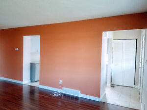 ***MOVE-IN READY HOME IN NORTH ST. CATHARINES FOR RENT***