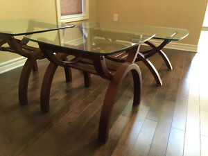 Coffee table and end tables London Ontario image 5