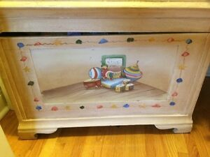 childs toy chest