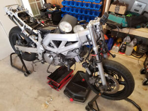 HUGE Suzuki SV 650 Bike and parts lot AND DR 600