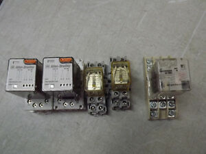 Relais 120Vac avec Base 8-pin Socket Allen Bradley 24Vdc lot / 5