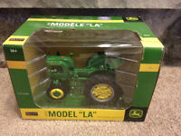 1942 John Deere Model LA Diecast Tractor with Snow Blade 1:16