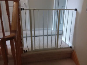 Baby gate with door (with stairs railing attachment)