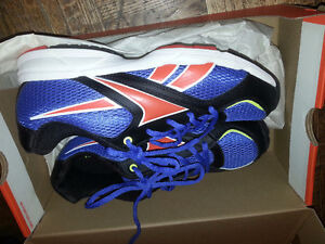 Youth/Men's  size 6 Brand New Running Shoes