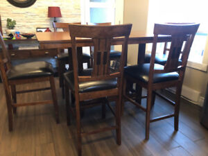 Dining Table with 6 Chairs (Pub Height)