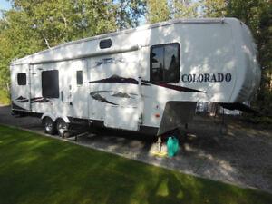 2006 Colorado 5th Wheel Trailer