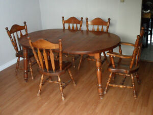 Maple Dining Table and Chairs.