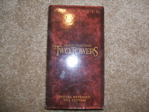 LORD OF THE RINGS, THE TWO TOWERS-VHS-SPECIAL EXTENDED EDITION London Ontario image 1