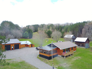 Waterfront Cottage/Home on Johnson Lake, Quebec with 10 acres