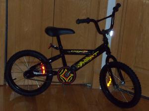 Vélos 4 Pour Garçons et Filles, BICYCLETTES 16 po  IMPECCABLES