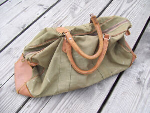 Vintage Canadian  Military Officers Hand Bag-British Made