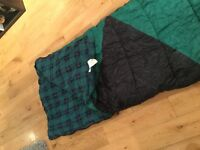 Green single sleeping bag. Tartan warm cotton lining