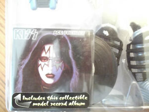 "RARE VINTAGE ""KISS"" ACTION FIGURES  NEW IN BOX 1997 Cornwall Ontario image 8"