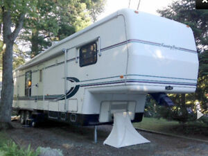 Fifth wheel 40' Newmar Kountry Star 1996