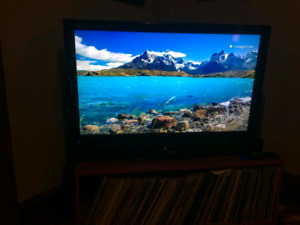 """40"""" LCD tv with sound bar and sub"""