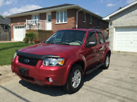2007 Ford Escape Limited SUV AWD leather!
