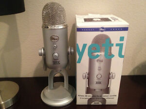 New in box blue yeti microphone