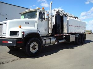 13 Cube Non-Code Hydrovac on 99 Paystar - REDUCED!!!