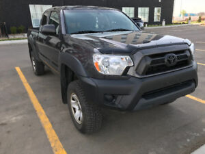 **Excellent Condition 2012 Toyota Tacoma