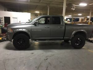 "12"" lifted Dodge Ram 1500 4*4"