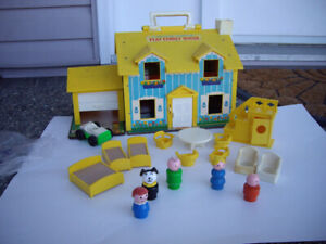 FISHER PRICE VINTAGE DOLL HOUSE W ACCES