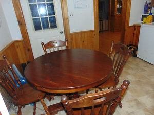 antique dinning room table and chairs