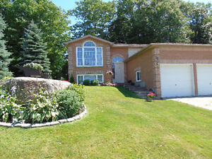 ** Victoria harbour, detached raised bungalow **