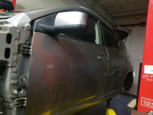 2009 Nissan Rogue doors