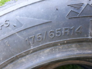 Like new winter tire 175/65/r14