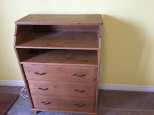 Change table and dresser
