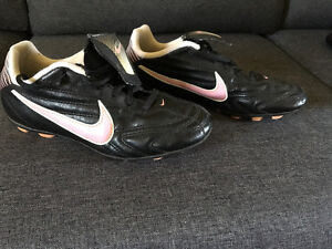 Espadrilles de baseball ou soccer pour fille (espadrilles) Nike