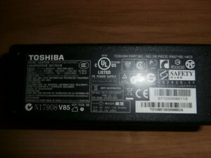 Original Toshiba Satellite PA3715E-1AC3 AC Power Adapter 19V 3.9