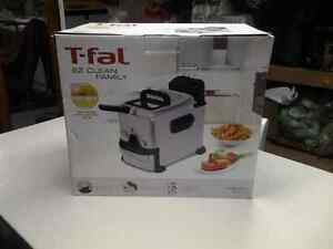 Hardly used t-fal ez clean deep fryer.   Perth, ontario