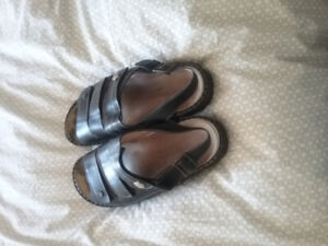Black leather Finn Comfort shoes, size 11W