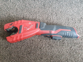 Milwaukee, C 12 PC,Cordless pipe cutter only body,need new blade