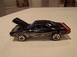 LOOSE HOT WHEELS 2004 FIRST EDITIONS 69 DODGE CHARGER 1/64 Dieca