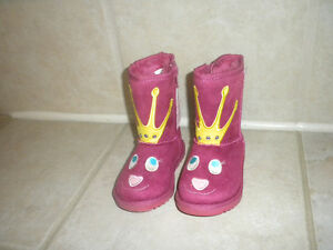 Size 7 lined boots