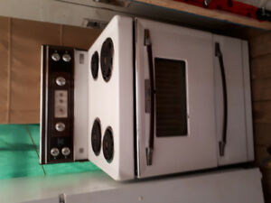 Self cleaning Kenmore stove $100