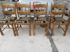 4 kitchen chairs and 2 carvers