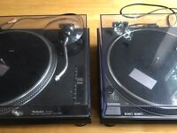 Technics 1210 mk2 Excellent condition full working order includes lids with a few cracks on them