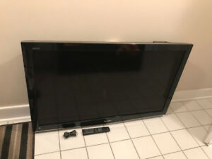 Sharp Aquos LC52D62U 52' 1080p Flat Screen HDTV