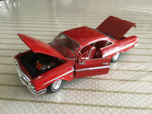 FOR SALE:  1961 CHEVROLET IMPALA SS 409 DIECAST 1:24 scale