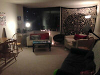 Looking for 4th Roomate in All Female Aparmtent