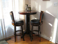Pub table & chairs - almost new