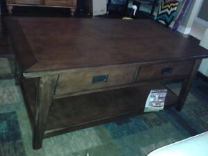 Wood coffee table (excellent condition)