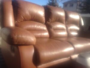 BROWN LEATHER SOFA RECLINER