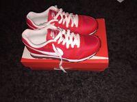 Nike MD red runner 2 size 4 uk 37