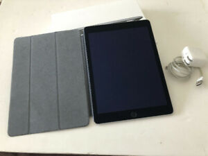 iPad Air 2 16Gb, mint condition with apple smart cover