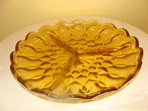 assiette de service, à 3 compartiments, en verre  couleur ambar